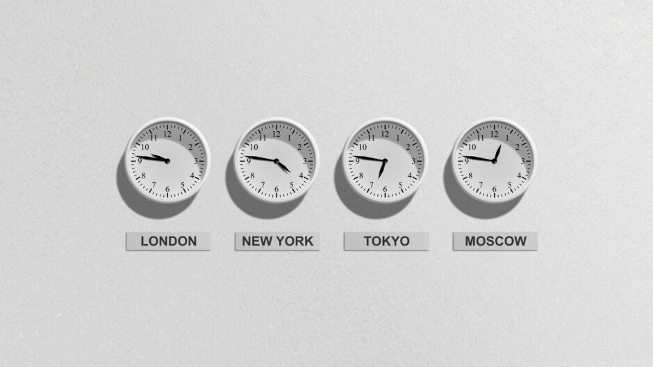 Zegary z różnymi strefami czasowymi